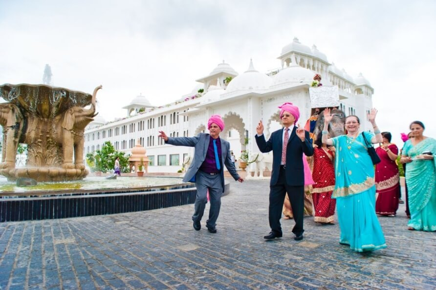 A-Gujarati-Destination-Wedding-Sheraton Palace Udaipur now Radisson Udaipur planned by Memorable Indian Weddings (15)