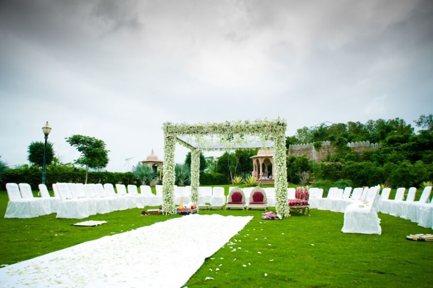 A-Gujarati-Destination-Wedding-Sheraton Palace Udaipur now Radisson Udaipur planned by Memorable Indian Weddings (20)