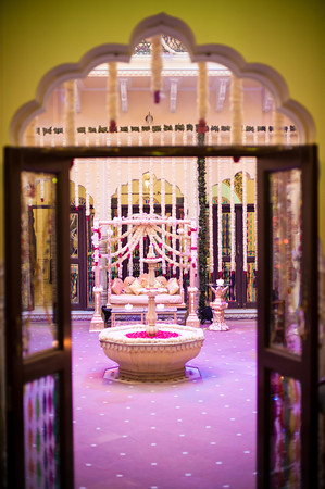 Sameer and Parnath Gujrati Sikh Destination Wedding Planned by Memorable Indian Weddings in Jaipur at Taj Jai Mahal Palace Hotel Mehndi (20)