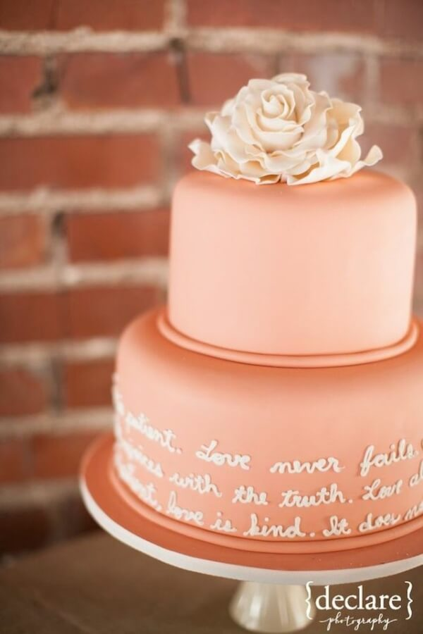 cake 7 ways to incorporate quotes in your wedding and sprinkle the magic of words (3)