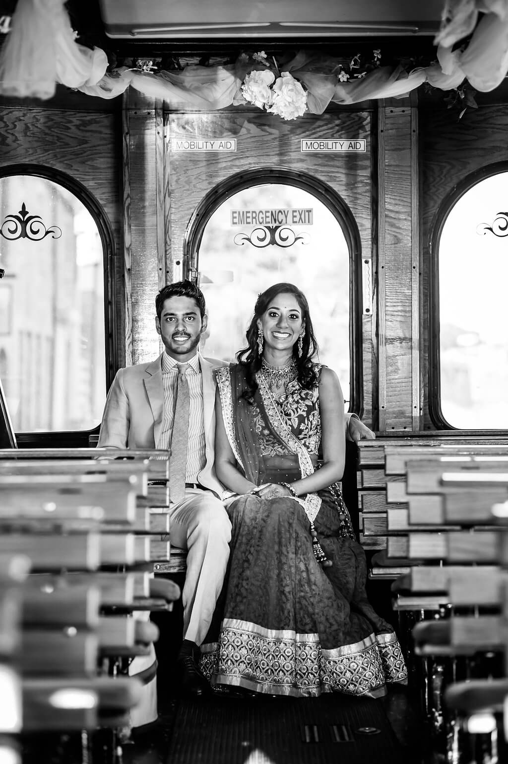 Real Wedding of Kavya and Pranay _ Photography by Davina and Daniel Ecletic fusion Indian American Wedding Planning India Mehndi Reception (14)