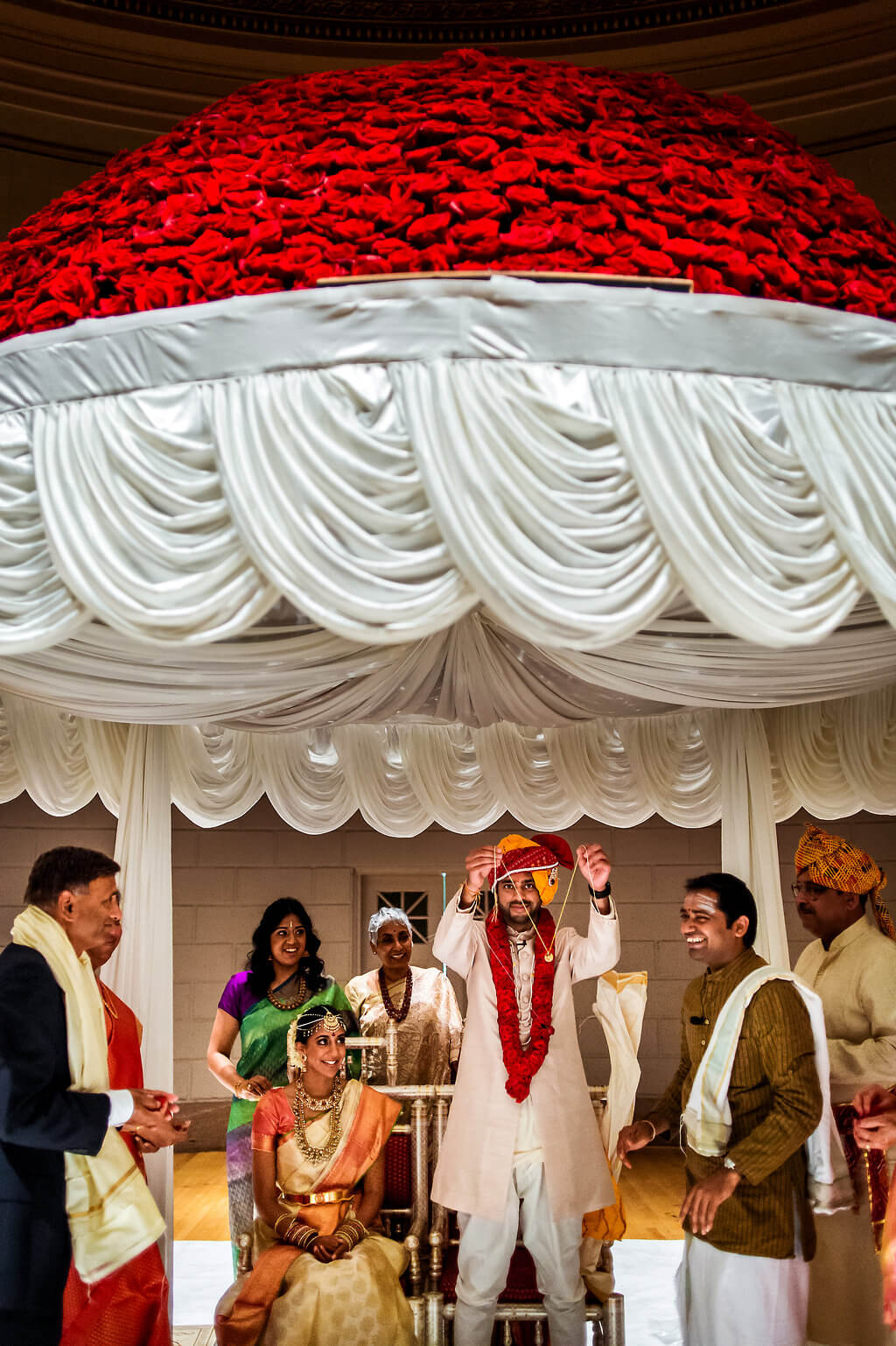 Real Wedding of Kavya and Pranay _ Photography by Davina and Daniel Ecletic fusion Indian American Wedding Planning India Mehndi Reception (4)