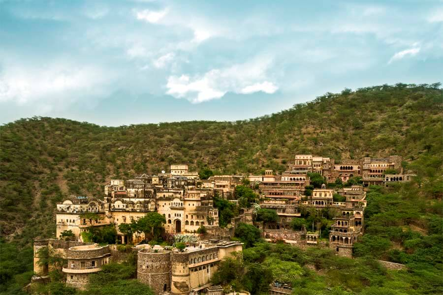 Neemrana Fort Palace (2)