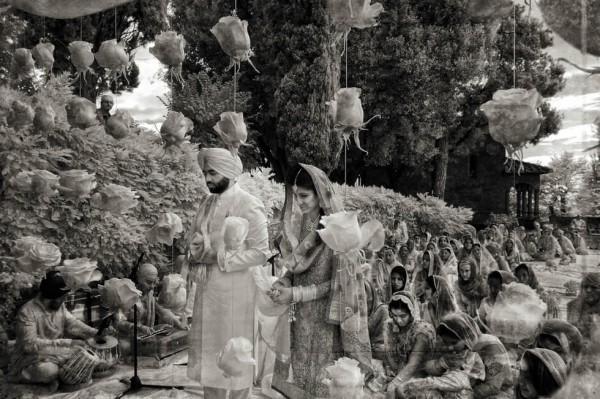 19 Sikh Wedding in Florence Sepia Wedding Photography by Edorado Agresti featured on Memorable Indian Weddings