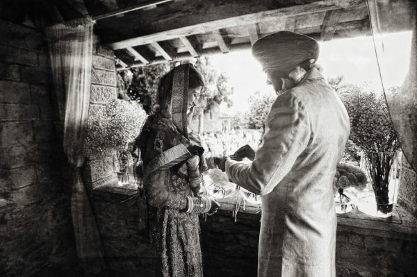 25 Sikh Wedding in Florence Sepia Wedding Photography by Edorado Agresti featured on Memorable Indian Weddings
