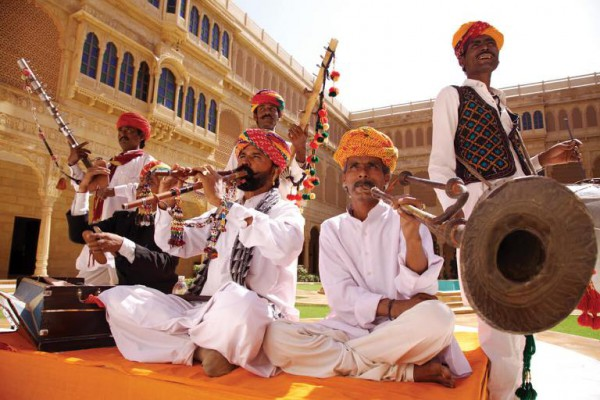 suryagarh-ensemble-of-folk-musicians-dancers