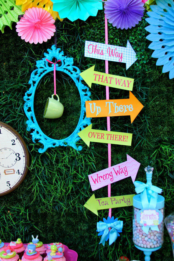 Alice-in-Wonderland-Tea-party-Weddings Mad hatter idea