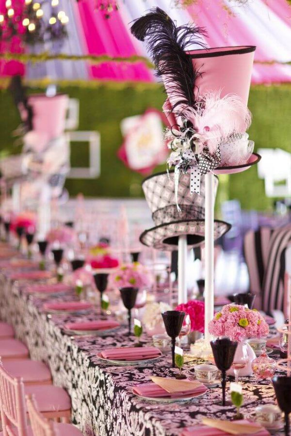 Alice-in-Wonderland-Tea-party-Weddings Mad hatter table set up