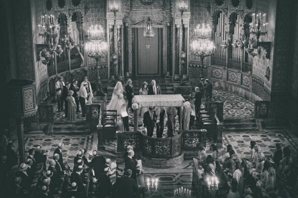 jewish wedding in the synagogue of Florence black and white photography by Edoardo Agresti