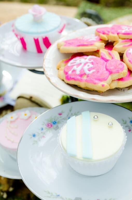 alice in wonderland mad hatter tea party ideas (2)