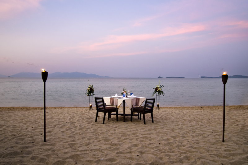 Beachfront_Dining_by_Design_Anantara_Bophut_Resort_Koh_Samui