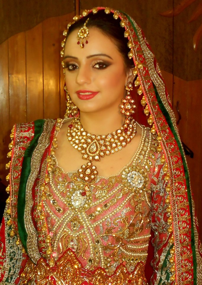 Guru Bridal Make Up Artist featured at Memorable Indian Weddings Blog (8)