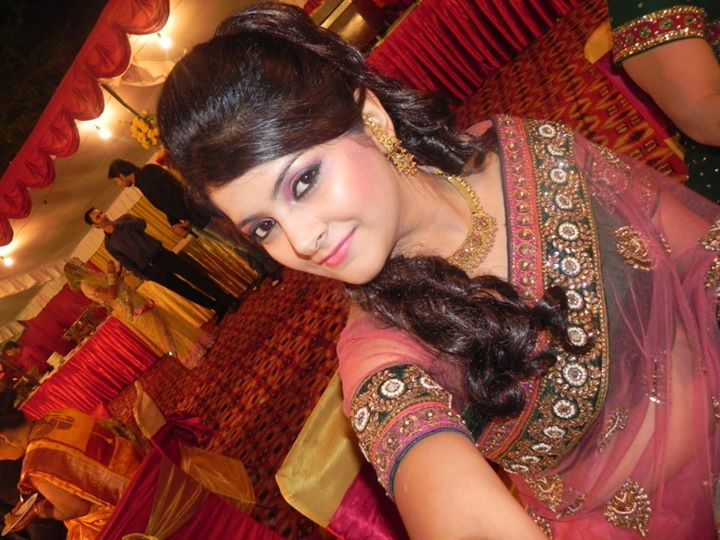 Indian Make Up Artist KirtiDs covered by Memorable Indian Wedding Dot Com (19)