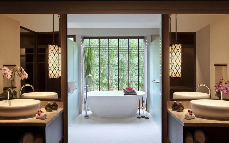 Junior_Garden_View_Suite_bathroom_Anantara_Bophut_Resort_Koh_Samui