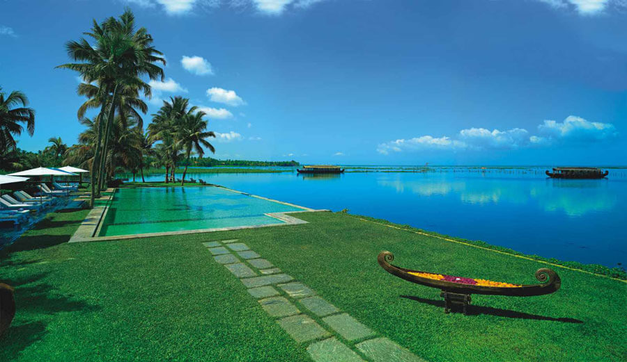 Luxury Wedding Hotel Kerala Kumarakom Lake Resort (1)