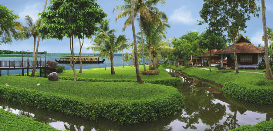 Luxury Wedding Hotel Kerala Kumarakom Lake Resort (4)