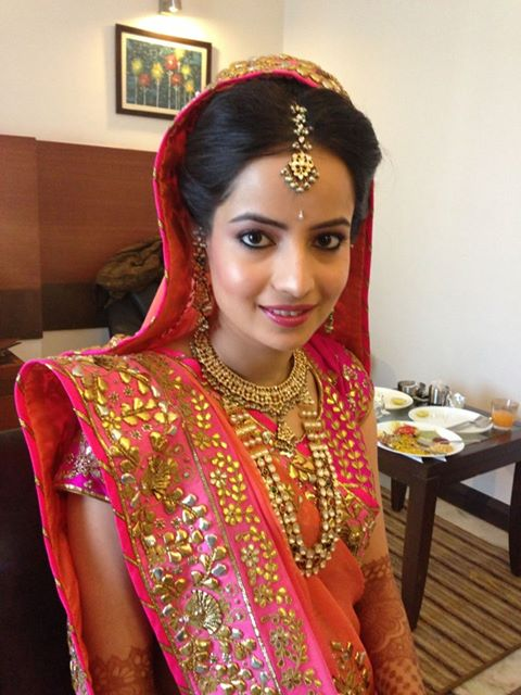 aakriti kocha makep indian bride