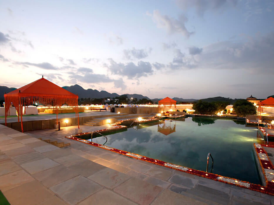 devigarh palace hotel pool