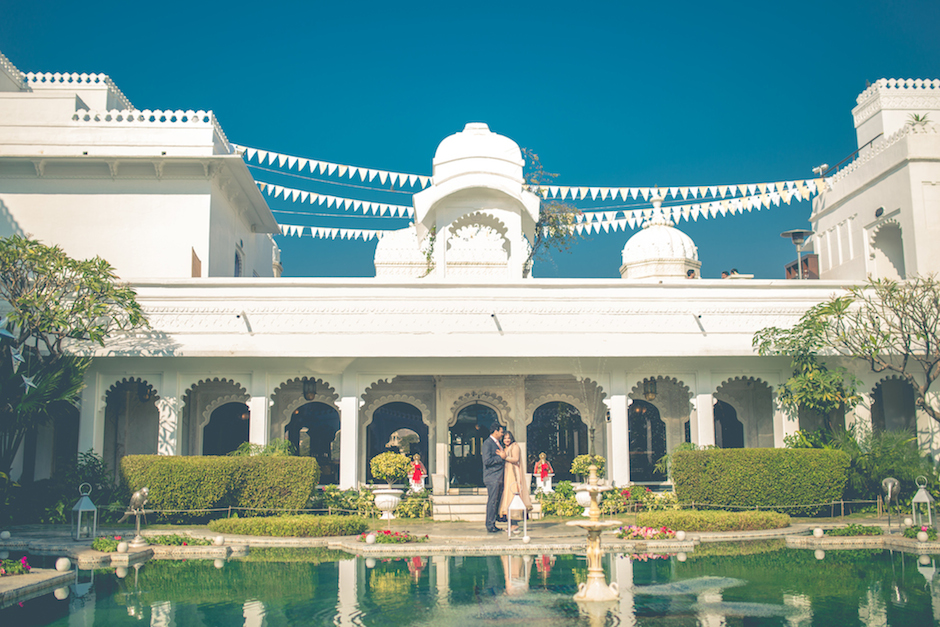 post-wedding shoot captured by Shaadigraphers at Taj Lake Palace1